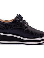 Недорогие -Жен. Комфортная обувь Полиуретан Осень На плокой подошве На низком каблуке Квадратный носок Белый / Черный / Красный
