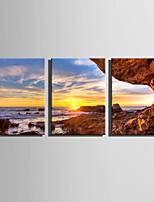 Недорогие -С картинкой Роликовые холсты / Отпечатки на холсте - Пейзаж / Море Modern