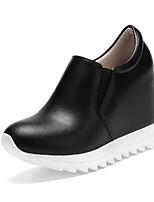 Недорогие -Жен. Комфортная обувь Наппа Leather Весна Обувь на каблуках Туфли на танкетке Белый / Черный / Миндальный