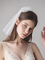 Недорогие -Два слоя Старинный / Классический Свадебные вуали Короткая фата с Однотонные / Стразы Тюль