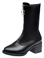 Недорогие -Жен. Fashion Boots Полиуретан Осень Минимализм Ботинки На толстом каблуке Сапоги до середины икры Белый / Черный