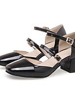 Недорогие -Жен. Комфортная обувь Полиуретан Весна Обувь на каблуках На толстом каблуке Белый / Черный / Красный