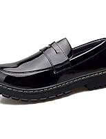 Недорогие -Муж. Комфортная обувь Лакированная кожа / Полиуретан Осень На каждый день Мокасины и Свитер Нескользкий Черный / Винный