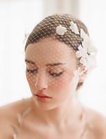 Недорогие -Один слой Старинный / Классический Свадебные вуали Короткая фата с Лепестки / Однотонные Тюль