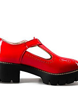 baratos -Mulheres Sapatos Confortáveis Couro Ecológico Primavera Saltos Salto de bloco Branco / Preto / Vermelho