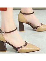 Недорогие -Жен. Комфортная обувь Полиуретан Весна Обувь на каблуках На толстом каблуке Бежевый / Верблюжий