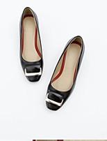 baratos -Mulheres Sapatos Confortáveis Couro Ecológico Primavera Sapatos De Casamento Salto Robusto Branco / Preto / Vermelho