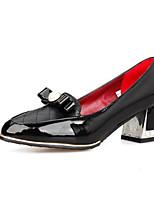 Недорогие -Жен. Балетки Лакированная кожа Осень Обувь на каблуках На толстом каблуке Белый / Черный / Красный