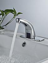 Недорогие -Ванная раковина кран - Датчик Хром Свободно стоящий Одной ручкой одно отверстие
