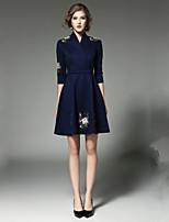 Недорогие -Жен. Классический / Элегантный стиль Оболочка Платье - Цветочный принт, Вышивка До колена