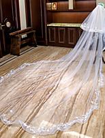 baratos -Duas Camadas Floral / Borda com aplicação de Renda Véus de Noiva Véu Catedral com Apliques Renda / Tule