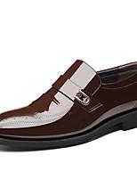 Недорогие -Муж. Официальная обувь Полиуретан Осень Деловые Мокасины и Свитер Доказательство износа Черный / Коричневый