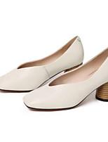 baratos -Mulheres Sapatos Confortáveis Pele Napa Primavera & Outono Saltos Salto Robusto Branco / Preto / Marron