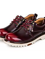 Недорогие -Муж. Комфортная обувь Полиуретан Осень Винтаж Туфли на шнуровке Нескользкий Черный / Коричневый / Темно-красный