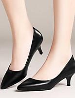 Недорогие -Жен. Комфортная обувь Замша / Полиуретан Лето Обувь на каблуках На шпильке Черный / Бежевый / Красный