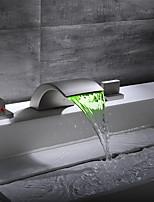 abordables -robinet lavabo / set de robinet - cascade / nickel adorable brossé répandu mélangeurs trois trous led