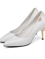 Недорогие -Жен. Комфортная обувь Микроволокно Лето Обувь на каблуках На шпильке Белый / Черный