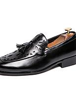 Недорогие -Муж. Официальная обувь Полиуретан Весна / Осень На каждый день / Английский Мокасины и Свитер Для прогулок Черный / Коричневый / С кисточками / Для вечеринки / ужина / С кисточками / Офис и карьера
