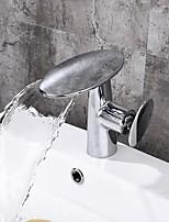 Недорогие -Ванная раковина кран - Водопад Электропокрытие / Живопись По центру Одной ручкой одно отверстие
