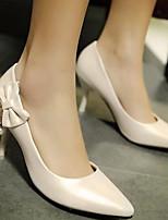 Недорогие -Жен. Комфортная обувь Полиуретан Весна Обувь на каблуках На шпильке Синий / Розовый / Миндальный