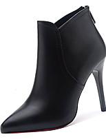 Недорогие -Жен. Ботильоны Полиуретан Осень Ботинки На шпильке Заостренный носок Ботинки Черный