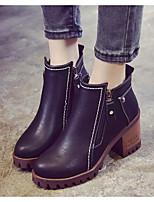 Недорогие -Жен. Комфортная обувь Полиуретан Зима Ботинки На толстом каблуке Ботинки Черный / Коричневый