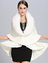 cheap -Sleeveless Faux Fur / Core Spun Yarn Wedding / Party / Evening Women's Wrap With Pearls Capes