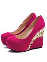 Недорогие -Жен. Комфортная обувь Полиуретан Весна Обувь на каблуках Туфли на танкетке Черный / Красный / Миндальный