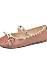 Недорогие -Жен. Комфортная обувь Полиуретан Осень Милая На плокой подошве На плоской подошве Круглый носок Заклепки Бежевый / Розовый