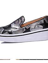 Недорогие -Жен. Комфортная обувь Наппа Leather Осень Обувь на каблуках Туфли на танкетке Закрытый мыс Цвет радуги / Серебряный