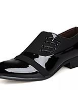 baratos -Homens Sapatos formais Couro Envernizado / Couro Ecológico Outono Negócio Mocassins e Slip-Ons Use prova Preto