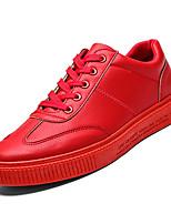 baratos -Homens Sapatos Confortáveis Couro Ecológico Outono Casual Tênis Não escorregar Branco / Preto / Vermelho