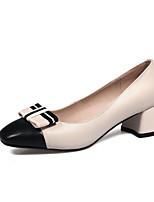 Недорогие -Жен. Комфортная обувь Наппа Leather Весна Обувь на каблуках На толстом каблуке Белый / Черный