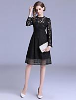 Недорогие -Жен. Изысканный / Элегантный стиль А-силуэт / Маленькое черное Платье - Однотонный, Кружева До колена