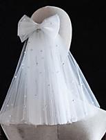 Недорогие -Два слоя жемчужный / Симпатичные Стиль Свадебные вуали Фата до плеч с Искусственный жемчуг / Бусины Тюль