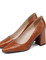 Недорогие -Жен. Комфортная обувь Наппа Leather Весна Обувь на каблуках На толстом каблуке Черный / Коричневый