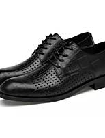 baratos -Homens Sapatos Confortáveis Pele Napa Primavera Oxfords Preto / Marron