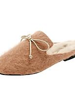 Недорогие -Жен. Комфортная обувь Полиуретан Наступила зима На каждый день Тапочки и Шлепанцы На плоской подошве Круглый носок Черный / Бежевый