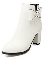 Недорогие -Жен. Fashion Boots Полиуретан Зима Ботинки На толстом каблуке Закрытый мыс Ботинки Белый / Черный / Красный