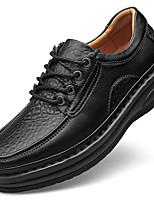 baratos -Homens Sapatos de couro Pele Napa Outono Clássico / Casual Oxfords Manter Quente Preto / Marron