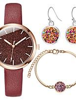 Недорогие -Жен. Нарядные часы Кварцевый Секундомер Творчество Новый дизайн Кожа Группа Аналоговый Мода Цветной Черный / Синий / Красный - Красный Синий Розовый Один год Срок службы батареи