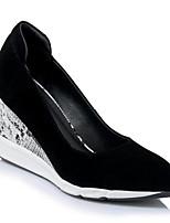 Недорогие -Жен. Комфортная обувь Замша Весна Обувь на каблуках Туфли на танкетке Черный / Миндальный