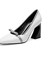 Недорогие -Жен. Комфортная обувь Наппа Leather Лето Обувь на каблуках Гетеротипическая пятка Белый / Черный