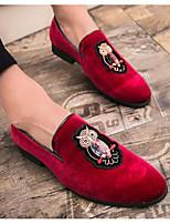 Недорогие -Муж. Комфортная обувь Бархат Весна & осень Мокасины и Свитер Черный / Красный