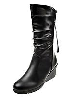 Недорогие -Жен. Fashion Boots Полиуретан Осень Ботинки Туфли на танкетке Круглый носок Черный
