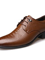 baratos -Homens Sapatos formais Pele Outono Casual Oxfords À Prova-de-Água Preto / Marron