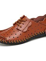 baratos -Homens Sapatos Confortáveis Pele Verão Casual / Formais Oxfords Respirável Preto / Café / Marron