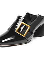 Недорогие -Жен. Комфортная обувь Наппа Leather Весна Обувь на каблуках Блочная пятка Черный / Зеленый / Темно-русый