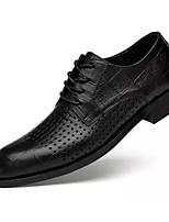 baratos -Homens Sapatos Confortáveis Pele Napa Verão Oxfords Preto / Marron