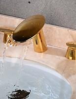 baratos -Torneira pia do banheiro - Cascata / Criativo Dourado Difundido Duas alças de três furos